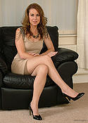 MILF brunette in heels and nylons